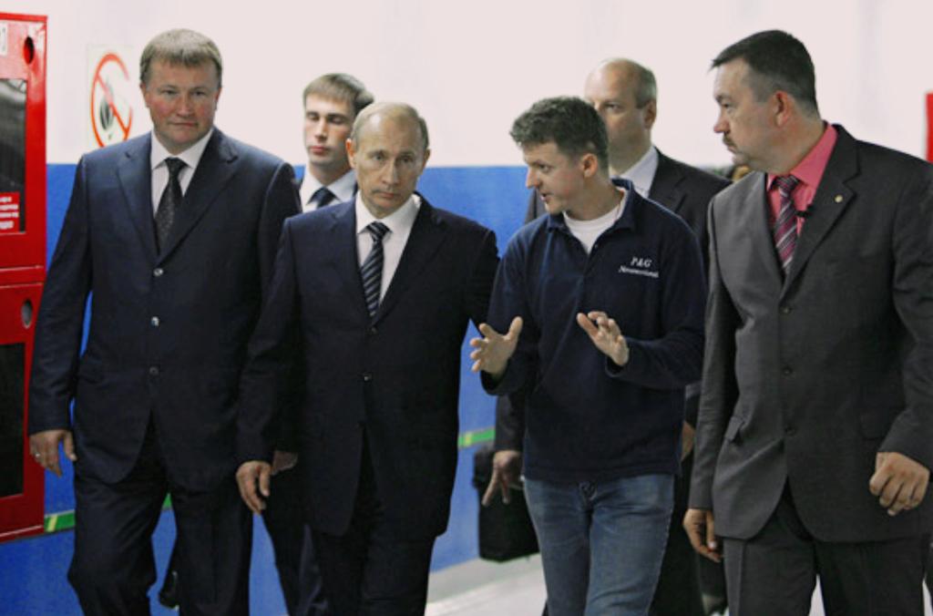 Как я Путина на нашем заводе от работяг защищал